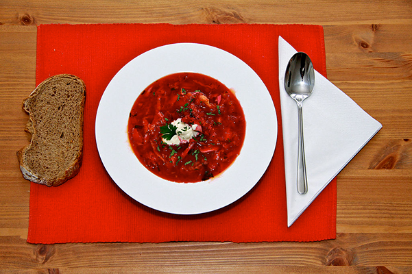 borscht beet soup served with bread