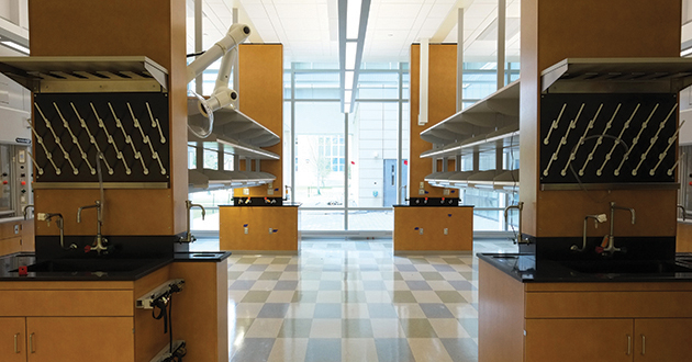 Laboratory neighborhoods on each floor provide research space for 400+ scientists/engineers.